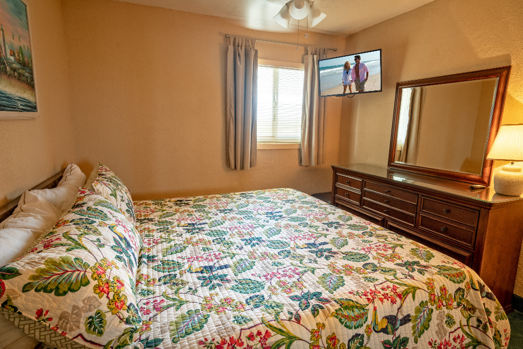 On The Ocean King Bed Remodeled Walk In Shower Updated