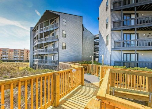 UNIT 1106  2 BD SHIP WATCH  North Topsail Beach, NC OCEANFRONT CONDO W-POOL