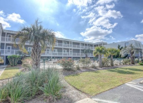 Sand Villas D1  Wonderful Family Condo on Ocean Isle Beach NC