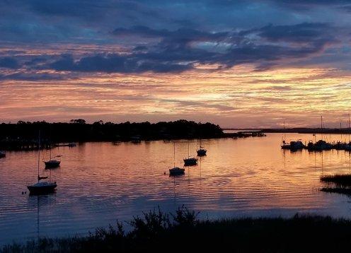 Enjoy Folly Riverfront, Sunsets, Dolphins, Pool, Dock!