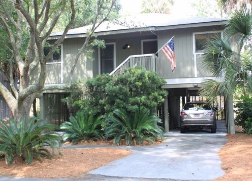 Darling Wild Dunes Cottage with free golf cart and WD Sportscard