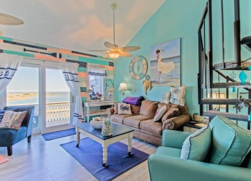 Beautifully Remodeled Condo Atlantic in front & Pamlico Sound in back.