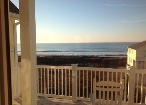 LIGHTHOUSE - NEW LISTING!  4 Br-4 Ba penthouse 200 ft from the ocean