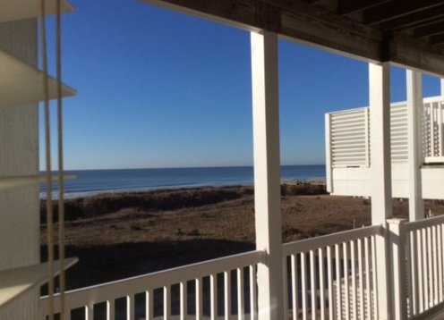 BEACH HAVEN - NEW LISTING!  OCEAN VIEW 200 FT TO BEACH Dog Friendly