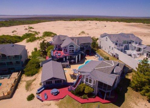OCEANFRONT on 3 Acres Estate  Elevator, 2 hot tubs, pool, gameroom, 6 BR
