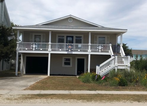 Ready for 2021! 4 Bedroom, 2 Bath Close to Beach Pet Friendly